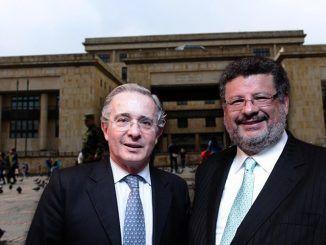 Jaime Granados y Alvaro Uribe